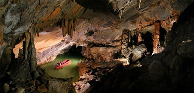 Penns Cave & boat